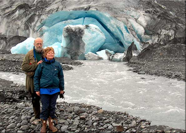 kornelia-steve-shoup-glacier-about